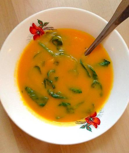 carrot soup w spinach
